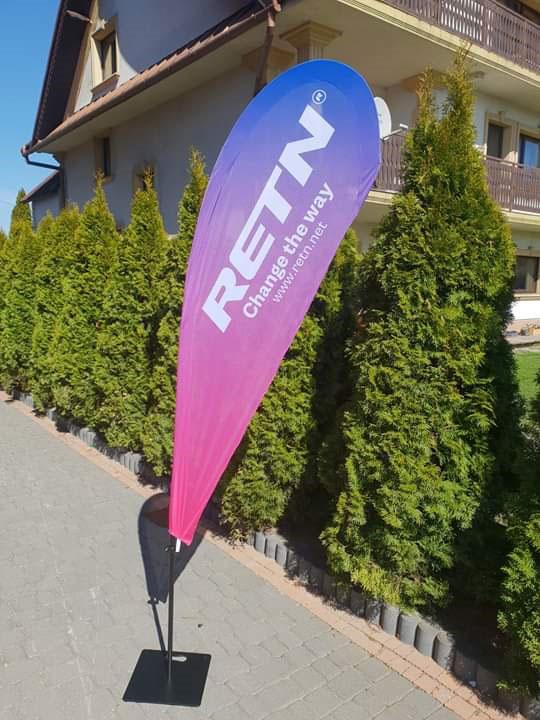 Reklamowa flaga z nadrukiem - stojak